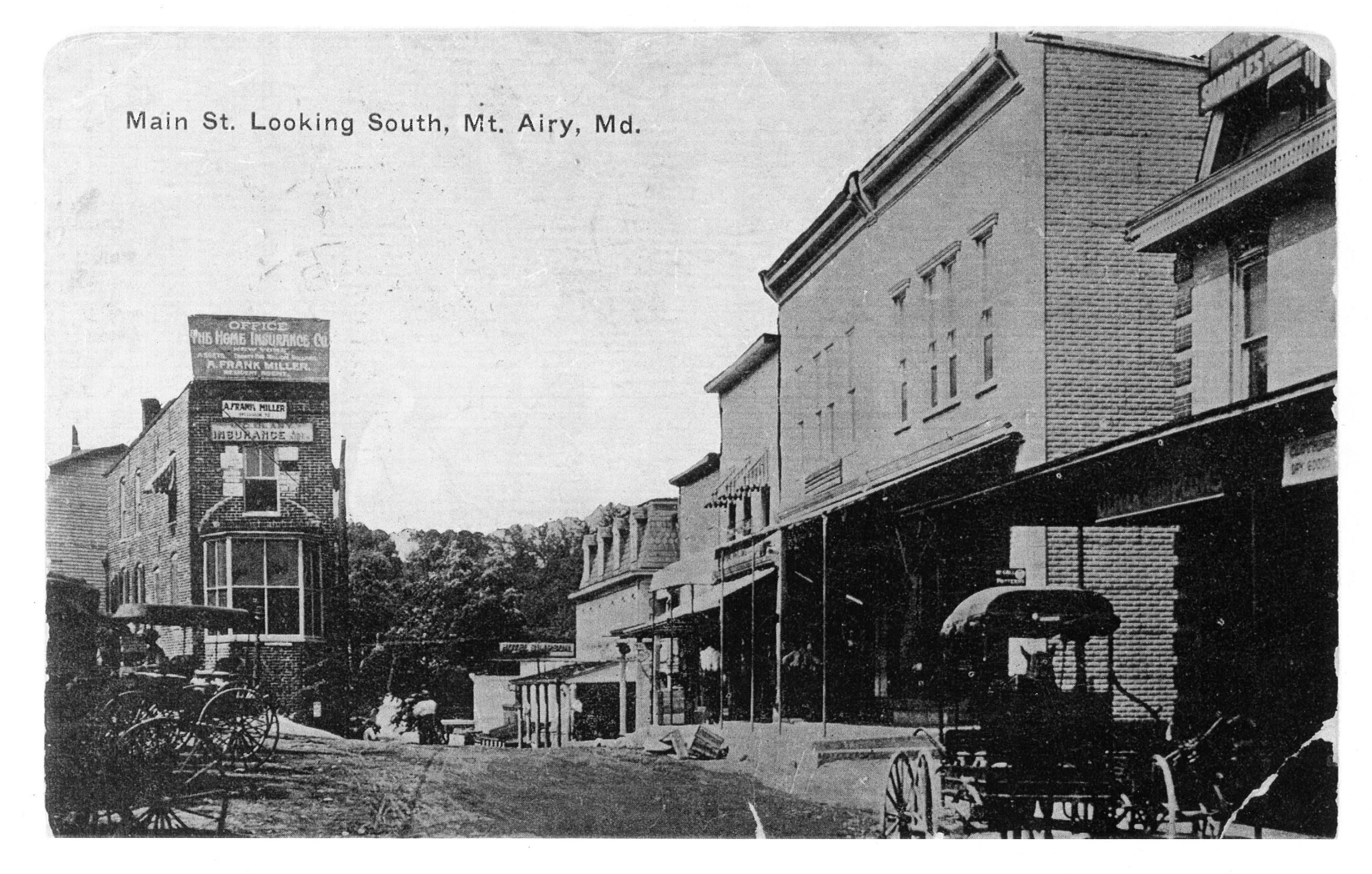 Main St looking South circa 1914_300
